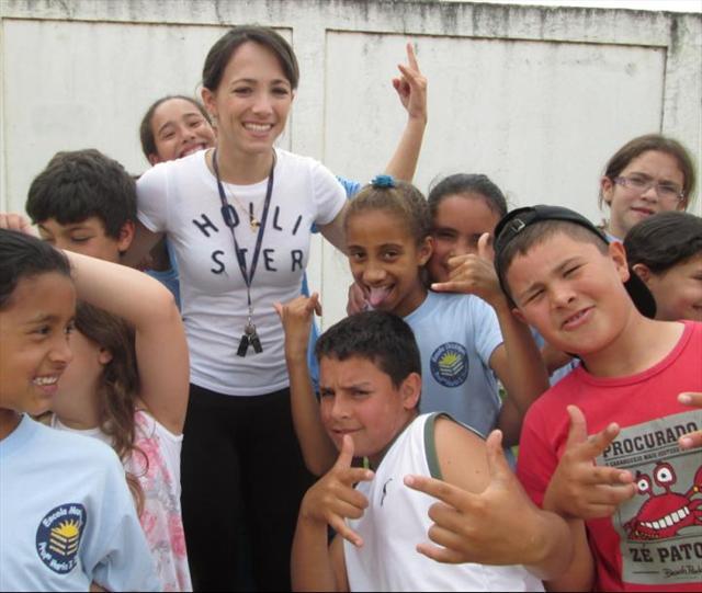 Alegria...Alegria...suas aulas são assim, festa, diversão e alegria.