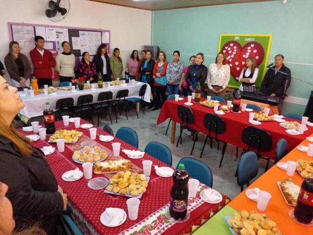 Comemorando o Dia dos professores e funcionários