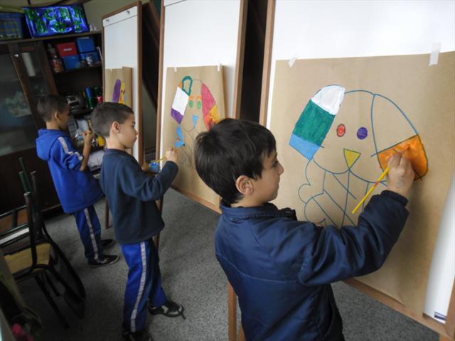 A turma do 1° A, desenvolveram atividades de Artes