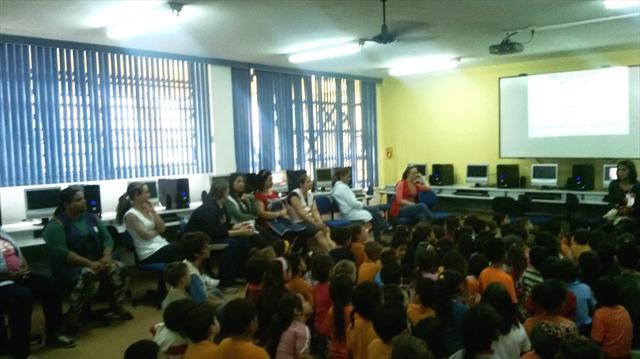 Integração com a Escola Municipal Madre Teresa de Calcutá com as turmas de Pré que irão para escola no ano de 2014.