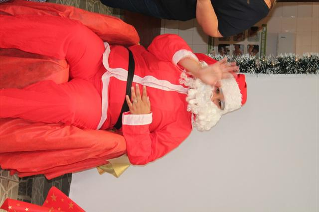 No último dia de CMEI o Papai Noel veio visitar as