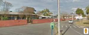 Visão externa da escola 2.