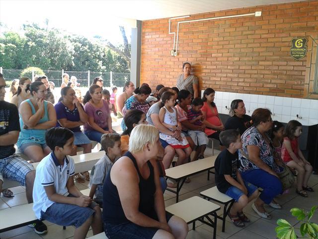 Escola realiza a primeira reunião de pais do ano d