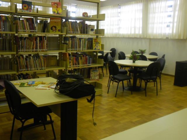 Biblioteca da E. M. Dr. Hamilton Calderari Leal