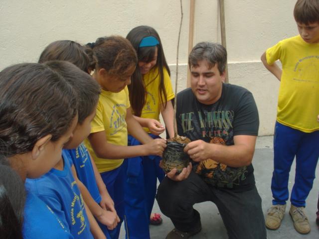 Projeto Meu Bio Bairro, realizado em parceria com a Secretaria Municipal do Meio Ambiente, envolvendo os alunos do 5º ano C em ações em prol do meio ambiente.