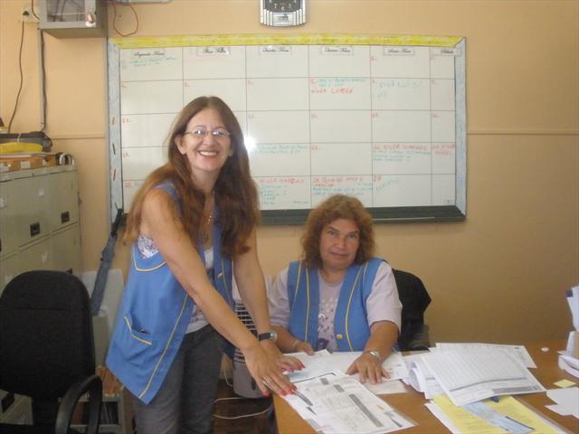 Secretária Tania e apoio Rosane.