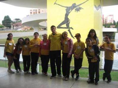 Alunos que participaram do projeto agentes da paz