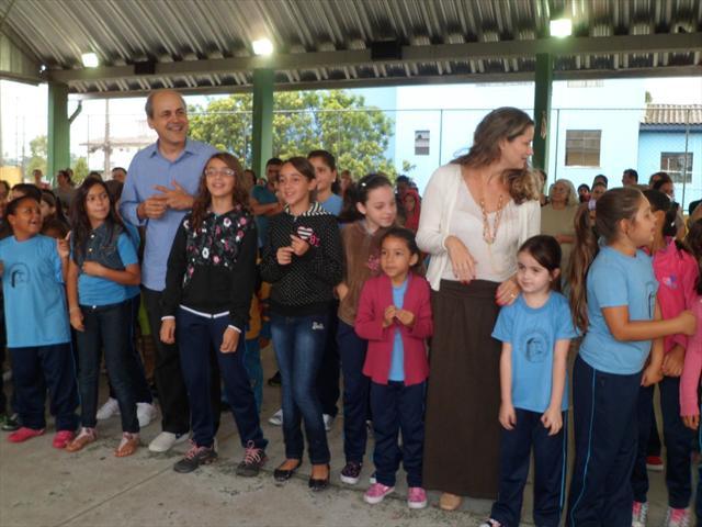 Visita do prefeito Gustavo Fruet e da secretária de Educação Roberlayne Borges Roballo em nossa escola