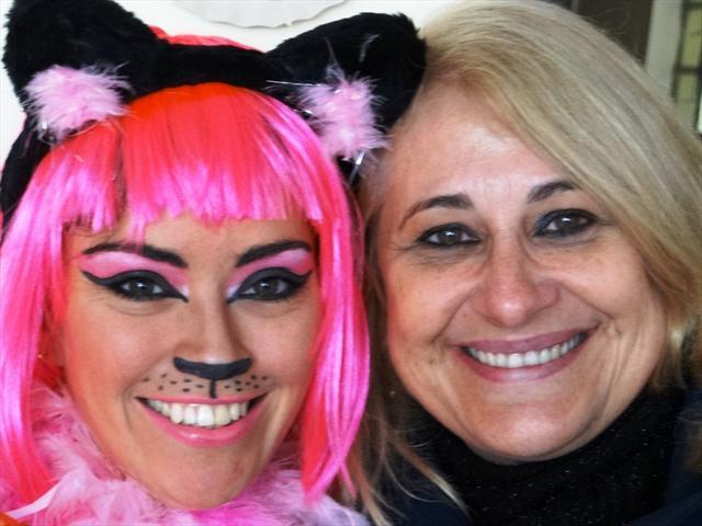 """Lançamento Jornal - Peça """"O mundo dos gatos""""  Educadora Mara e a """"Gatinha"""" Nikki (Atriz Sibele Quirino)"""