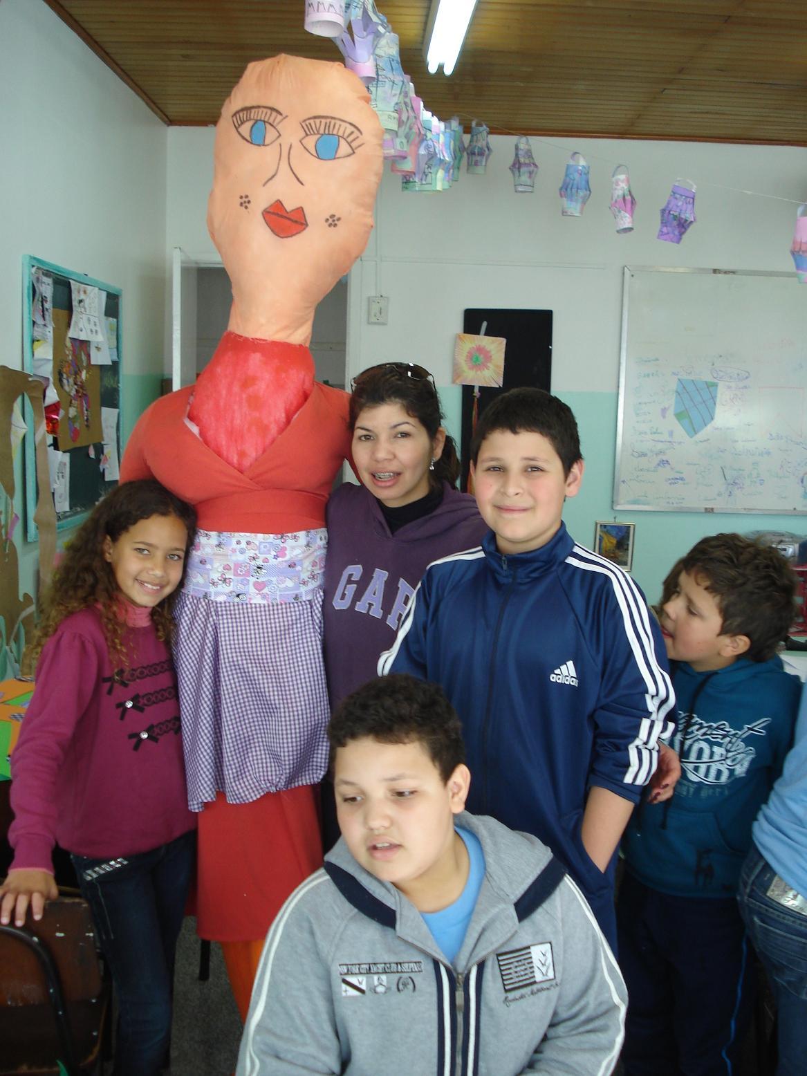 Preparação da festa junina com participação dos alunos