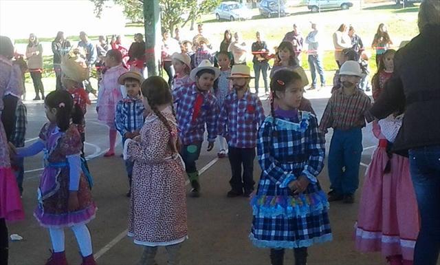 Fotos da Festa Junina da Escola Municipal Rio Negr