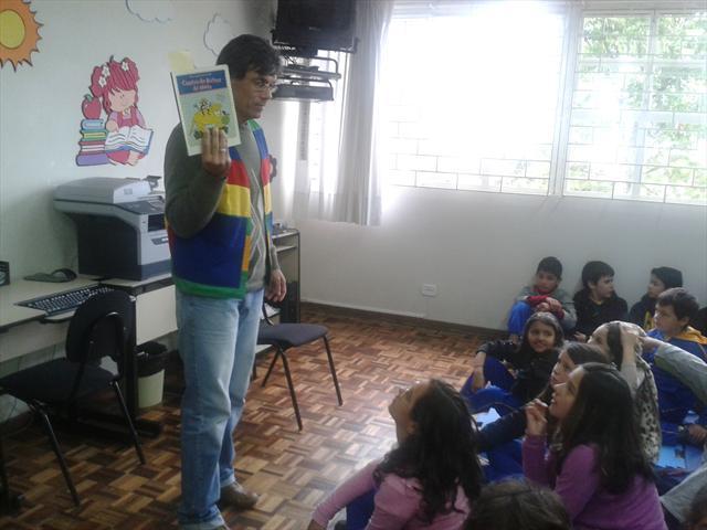 Grupo Malasartes realiza roda de leitura com estud