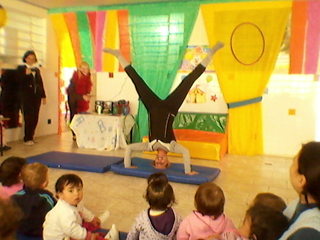 Apresentação Circo do CMEI Bracatinga 05/08/2013