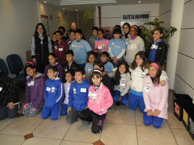 Os alunos do 5ºA visitaram a Gazeta do Povo e conh