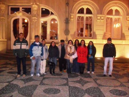 Estudantes da Educação de Jovens e Adultos visitam o Paço da Liberdade