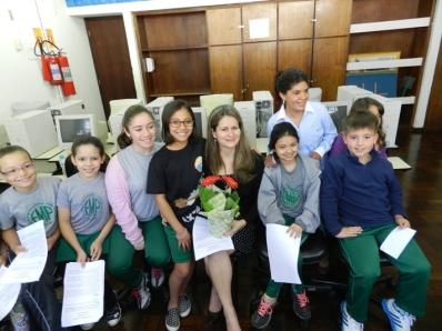 Alunos da E. M. Paranaguá entrevistam Secretária da Educação