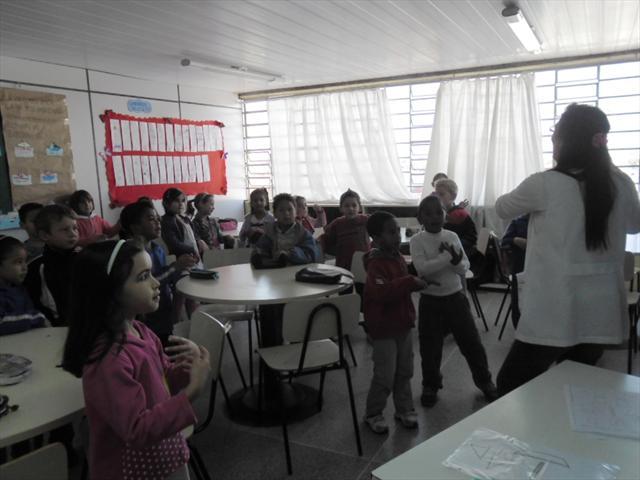 Os alunos do 1ºano na oficina Práticas de Leitura