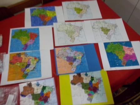 Quebra - cabeça mapa do Brasil.