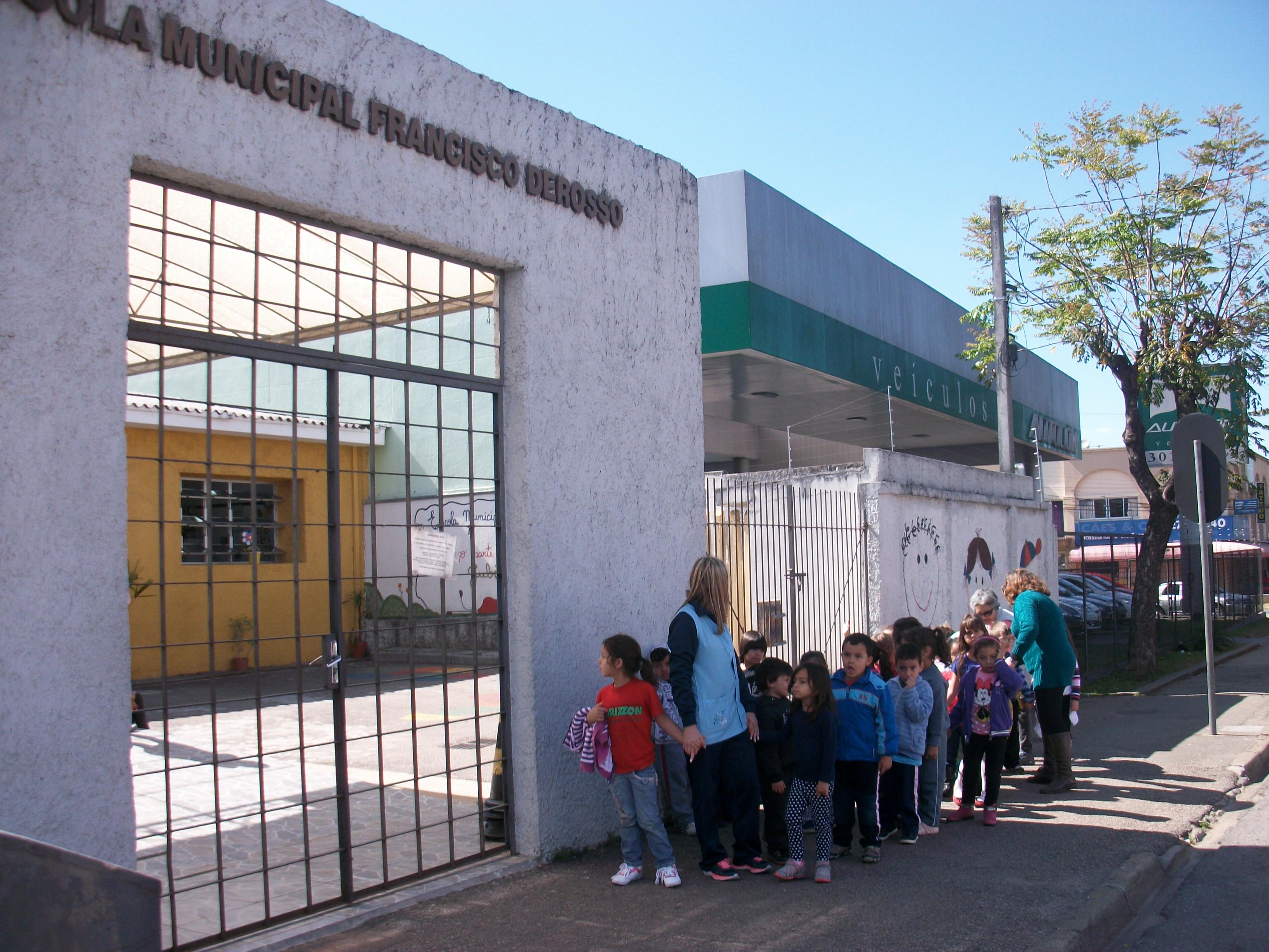 Visita do Pré à Escola Francisco Derosso
