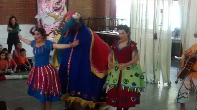 Teatro a Farsa do Boi inicia as comemorações do Dia da Criança.