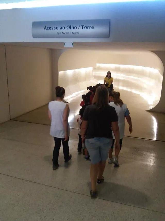 Visita do CMEI Jardim Aliança ao Museu Oscar Niemeyer