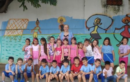 Escola Colombo apoia o Outubro Rosa