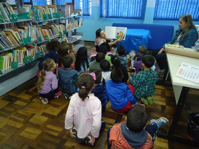CEICA recebe crianças do CMEI Parque Industrial