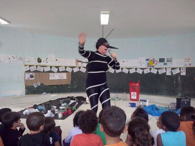Lala Schneider Contra a Dengue