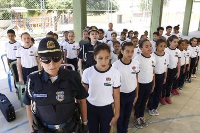 Guarda Municipal Mirim da EM Mirazinha Braga encerra atividades de 2014