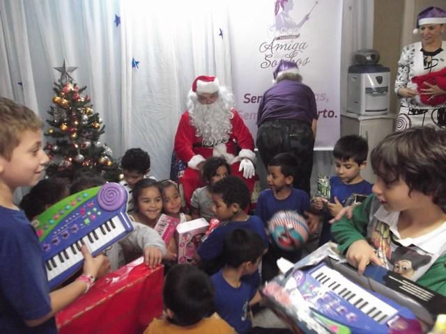Presentes de Natal do Instituto Amiga dos Sonhos