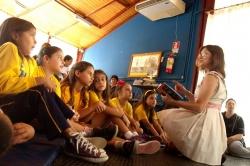 Bibliotecas Escolares e Faróis do Saber do NRE Boa Vista recebem as Histórias da Cléo
