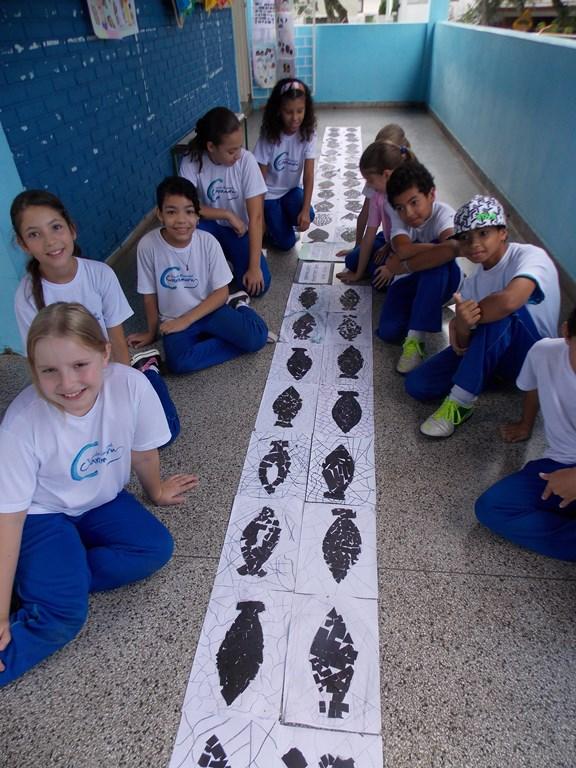 Mosaico exposição dos alunos do 5º ano