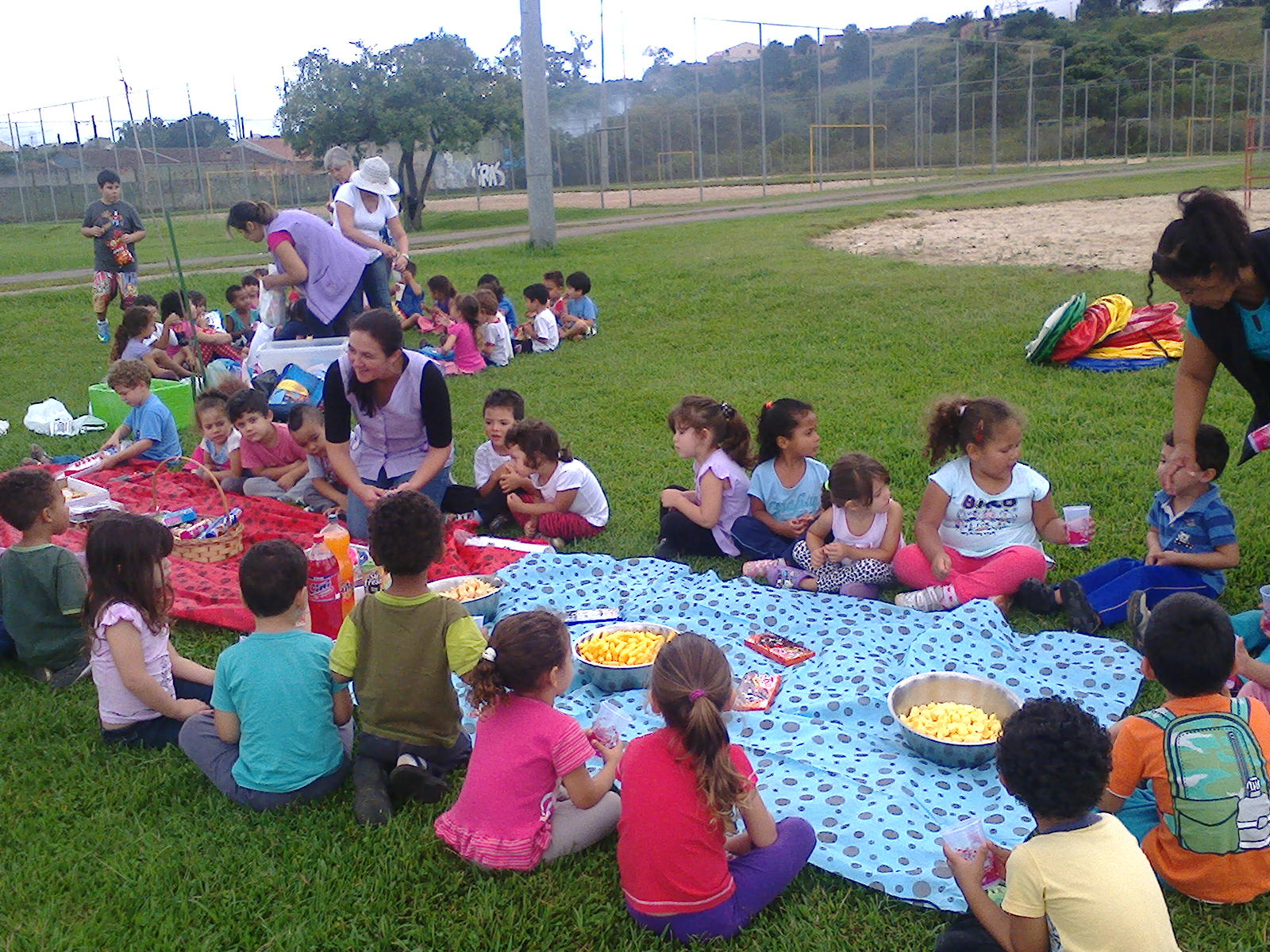 Homenagem do CMEI Santa Cândida à cidade de Curitiba