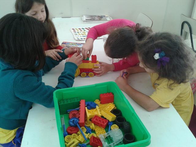 Lego é utilizado na UEI Padre João Cruciani
