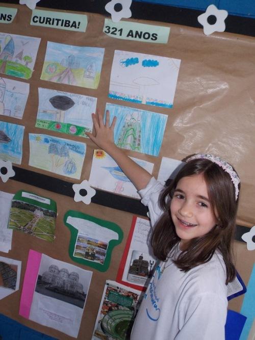 Aniversário de Curitiba e a exposição dos trabalhos pela escola.