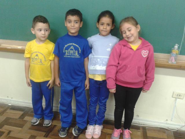 Alunos do 1º ano participando da atividade.