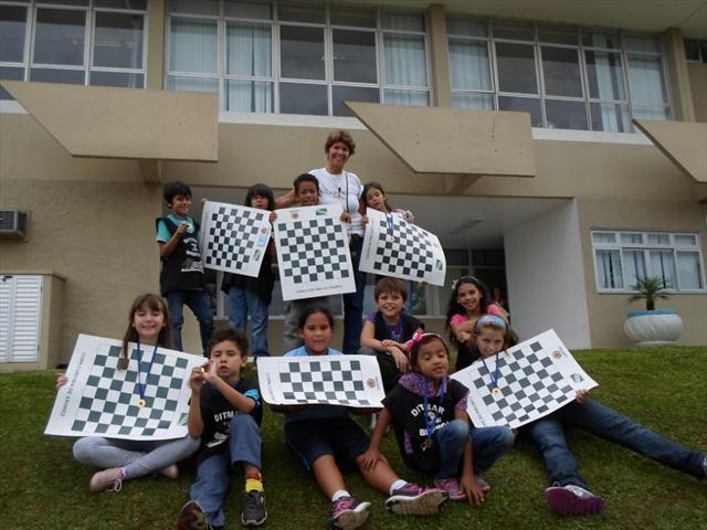 Alunos participam da Copa Curitiba de Xadrez