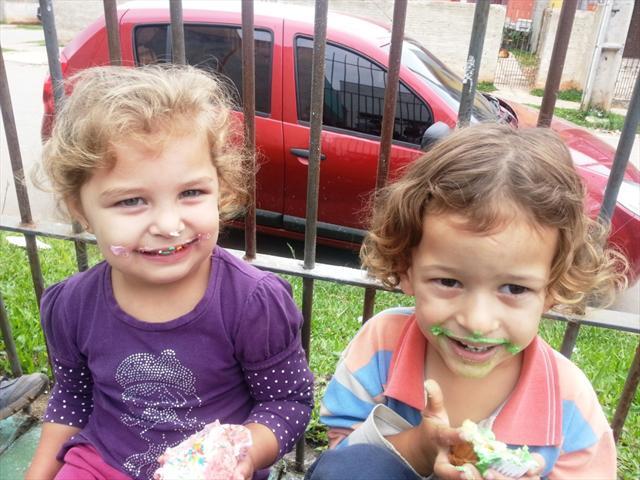 Decoração e degustação de cup cakes