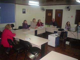 O Conselho Municipal de Educação de Curitiba e o Comitê Local do Plano de Metas Compromisso Todos pela Educação - PAR: PLANO DE AÇÕES ARTICULADAS - MEC