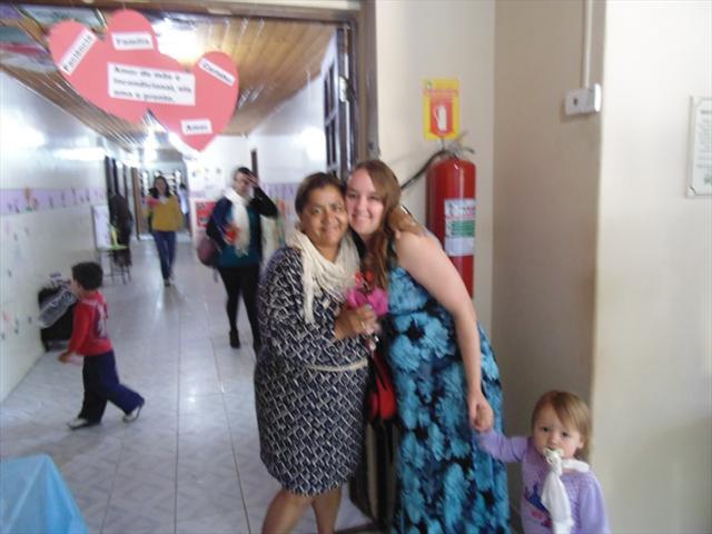 As crianças do Cmei Cantinho do Sol fizeram bolachas para presentear as suas mamães!!