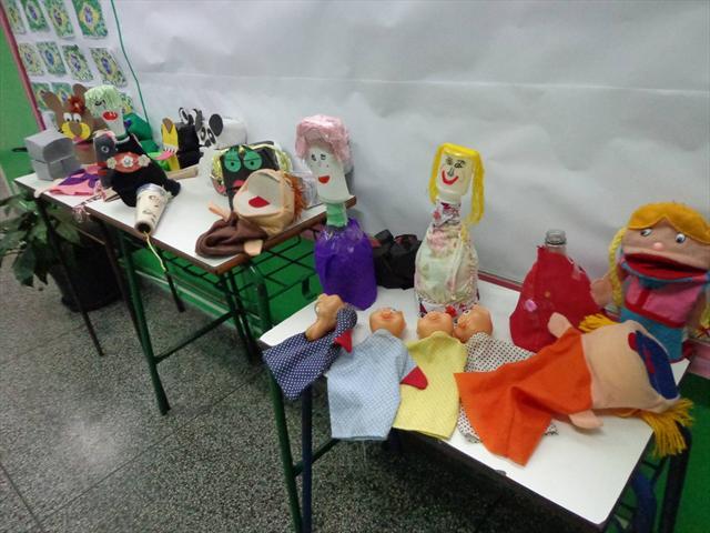 Projeto: Teatro de Fantoches com Material Reciclável.
