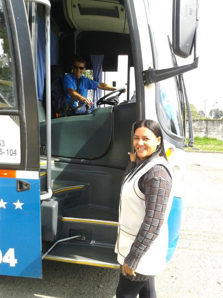 Ônibus da EM Madre Antônia