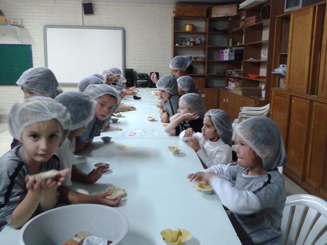 Estudantes do 1º ano B da EM Prof. Herley Mehl realizaram o Projeto Gosto Bom