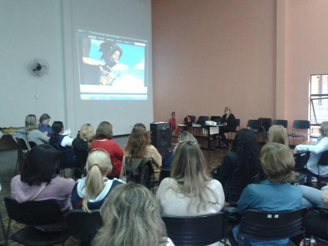 Núcleo Regional da Educação Boa Vista promove encontro com profissionais que atuam em Bibliotecas Escolares e Faróis do Saber