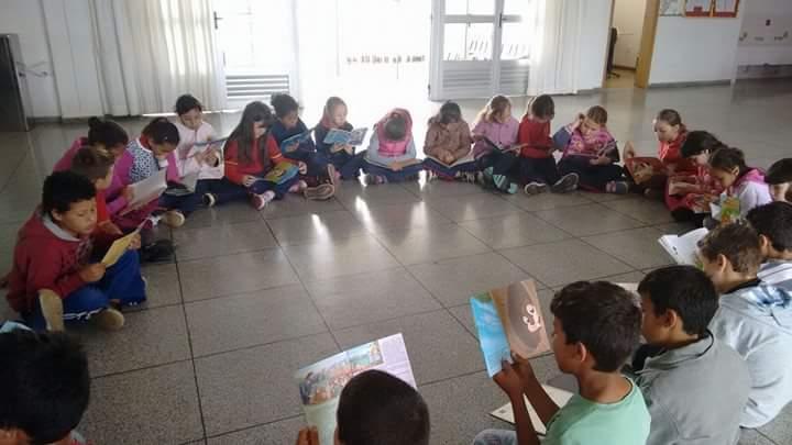 """Curitiba participa do """"Dia de Ler. Todo Dia!"""""""
