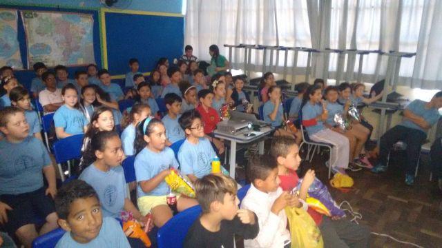 Dia das Crianças/Cel Débora 250