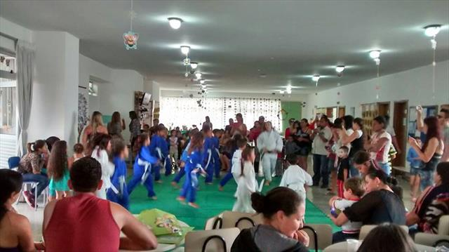 Festa da Primavera na E.M. Nansyr Cecato Cavichiolo