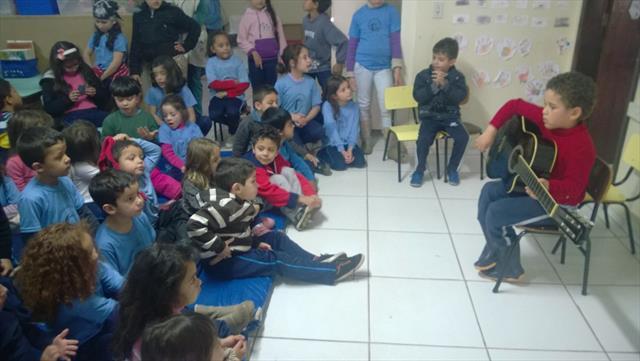 Crianças  da Educação Infantil aprendem mais sobre música