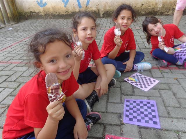 Semana de atividades diferenciadas para o dia das Crianças