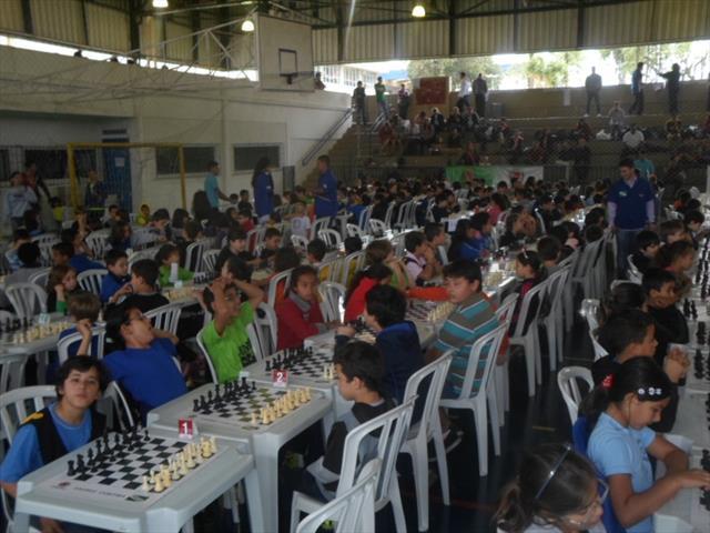 Alunos se destacam  na Copa Curitiba Xadrez